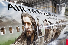 Air New Zealand unveils Hobbit aircraft