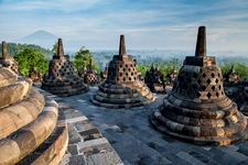 Temple visitors in Indonesia told to cover