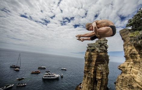 Cliff diving in the Azores