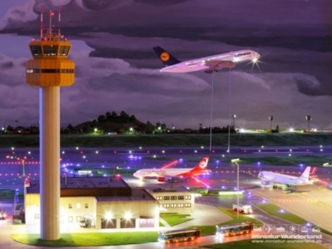World's largest model airport opens