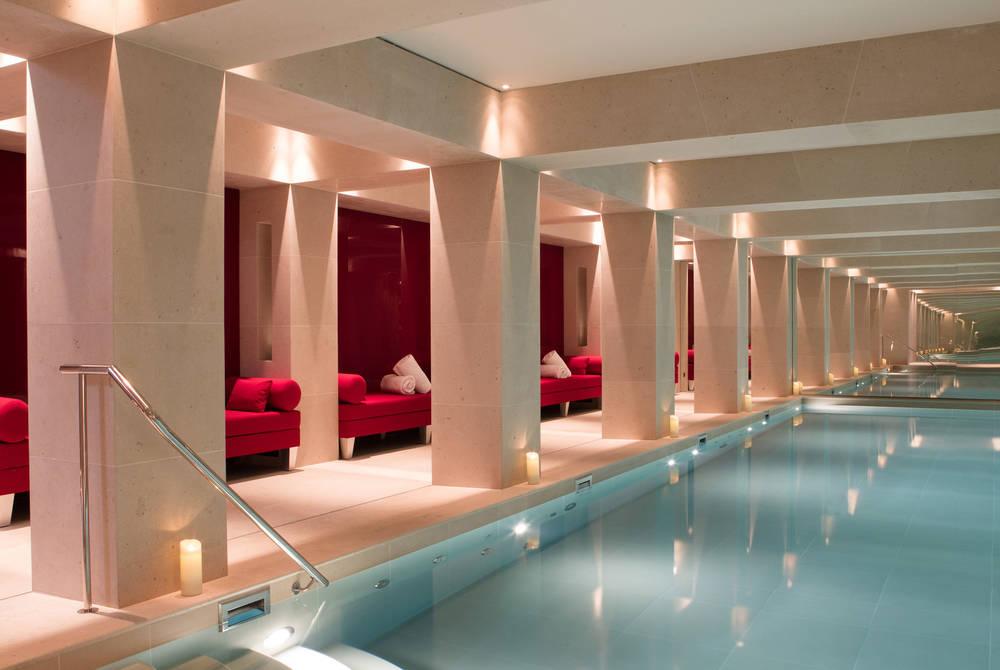 Indoor pool at La Réserve