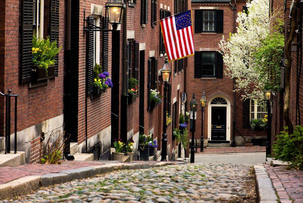 Acorn Street, Boston, Massachusetts, USA