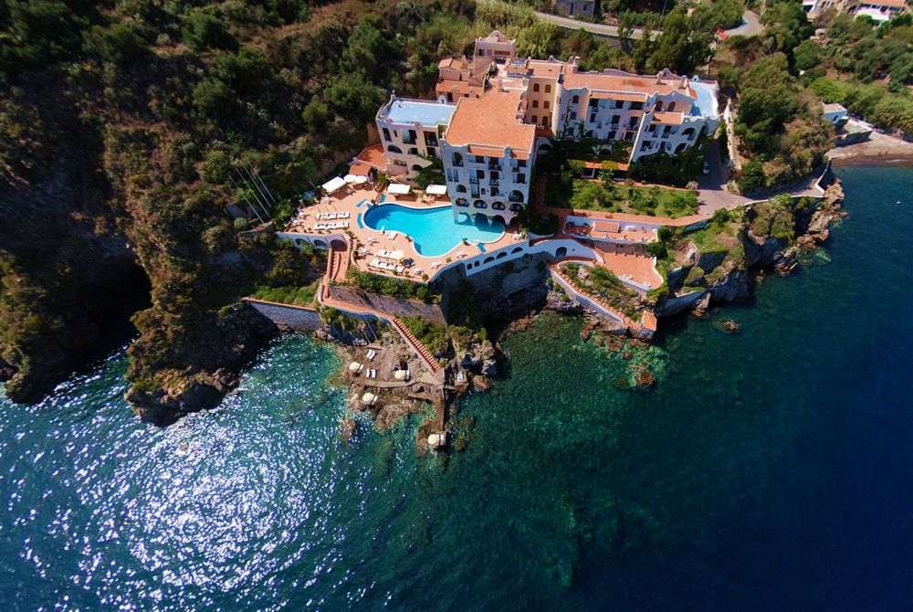 Aeolian islands discovery holidays 2018 2019 luxury for Lipari hotel