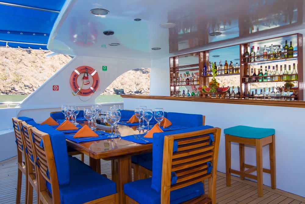 Al fresco dining, Ocean Spray