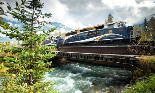 Highlights of the Canadian Rockies on Rocky Mountaineer
