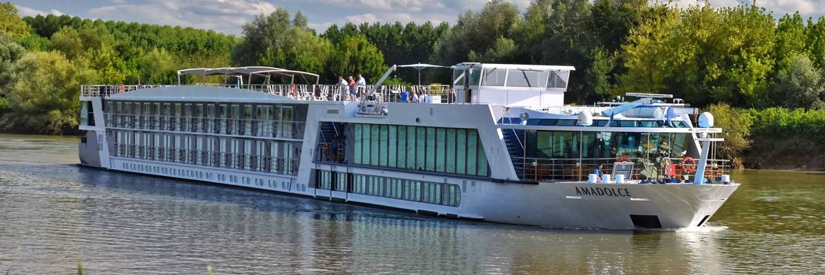 AmaWaterways launches 2020 brochure featuring savings of up to £2,000