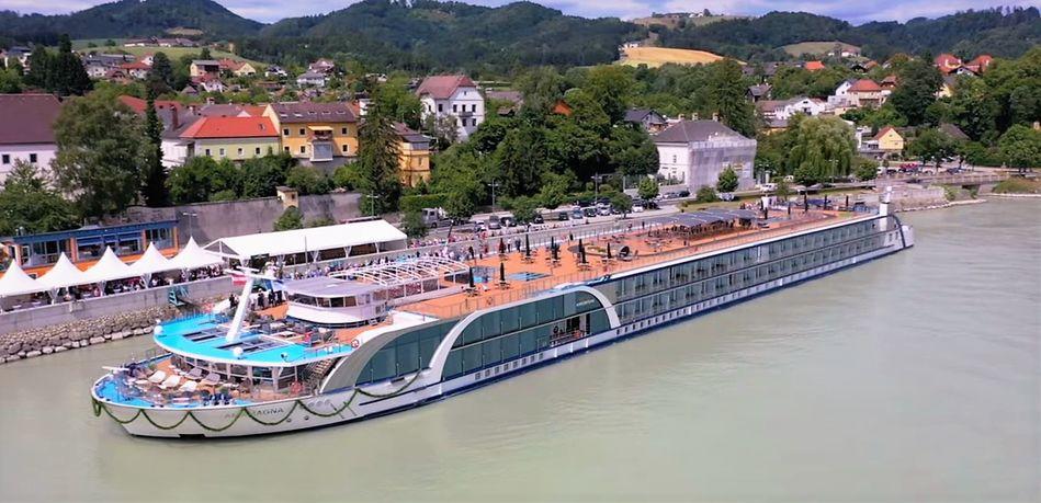 AmaWaterways AmaMagna in Grein, Austria