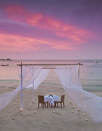 Private beach dining, Anantara Rasananda, Koh Phangan