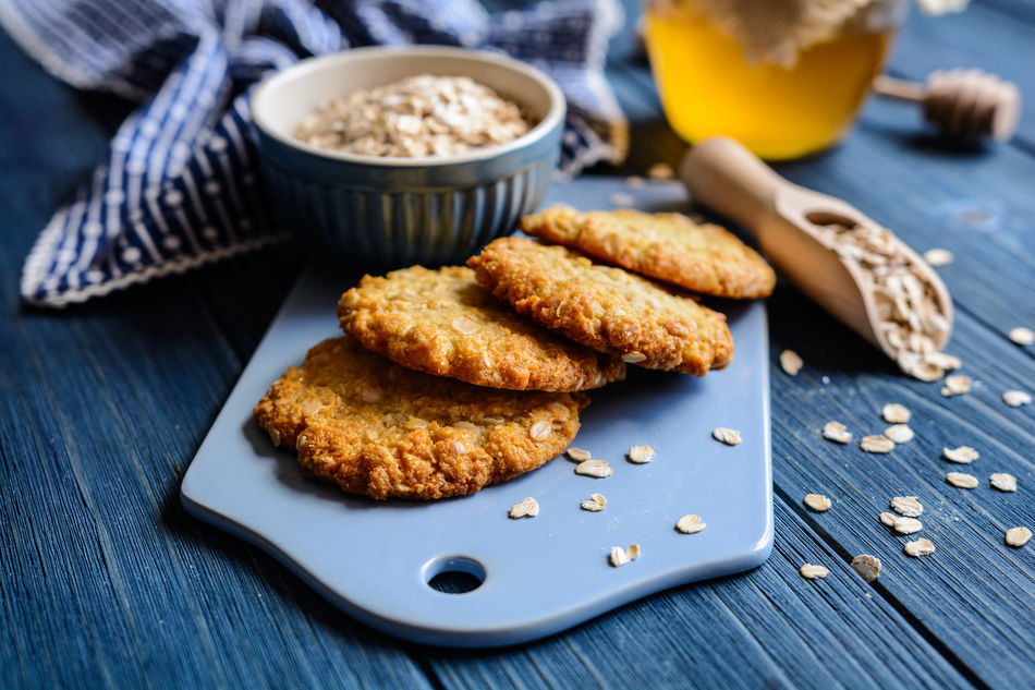 Plate of Anzac biscuits and oats