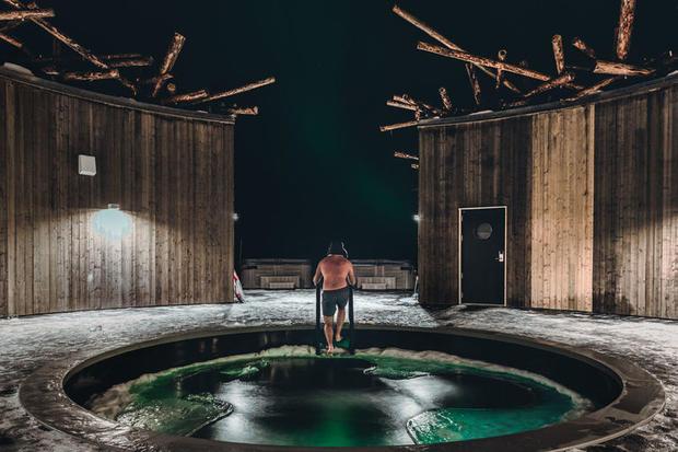 Plunge pool in Arctic Bath spa retreat in Swedish Lapland