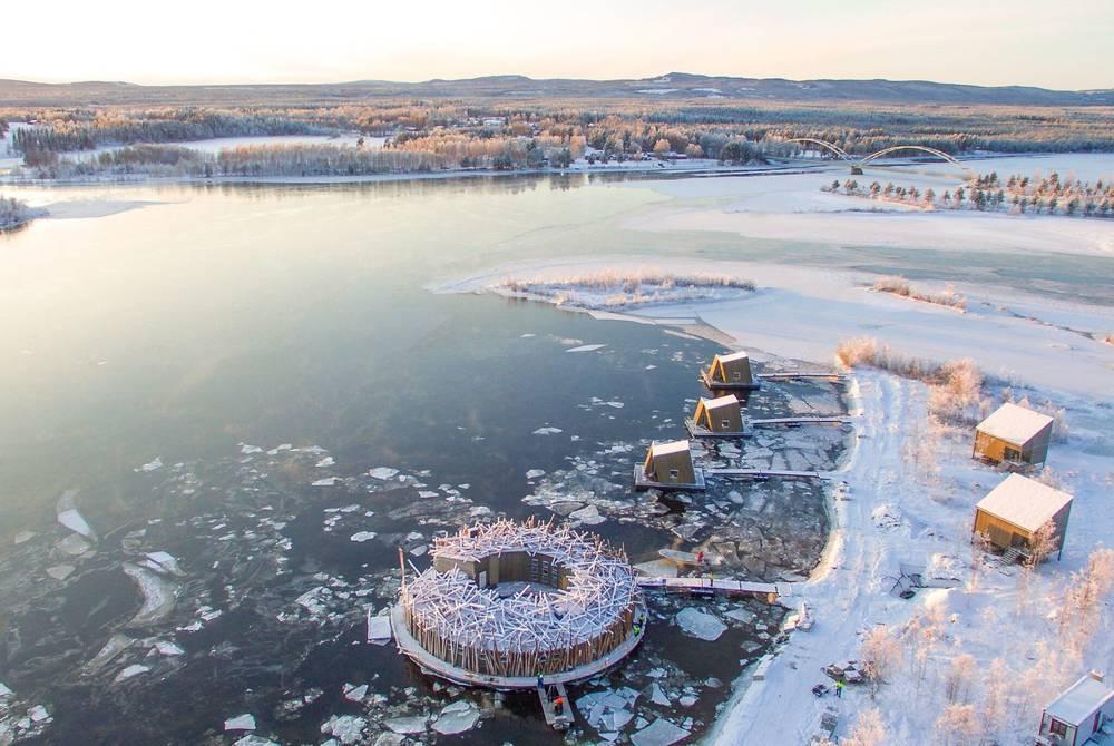 Arctic Bath (photo by Anders Blomqvist)