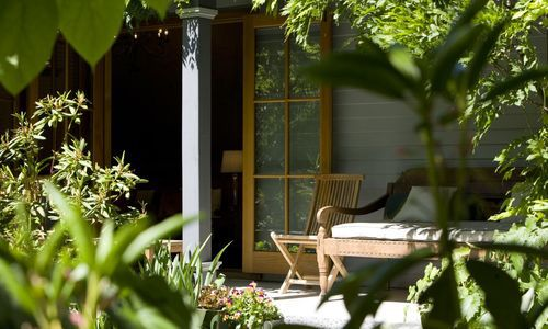Arrowtown House Boutique private garden, New Zealand