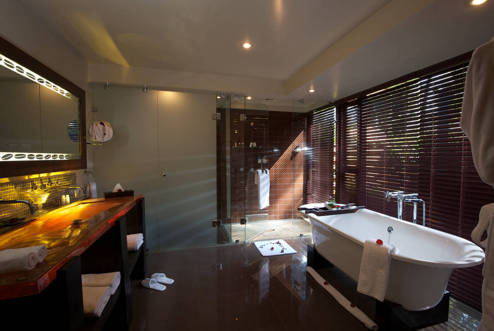 Bathroom, Plantation Suite, Arusha Coffee Lodge