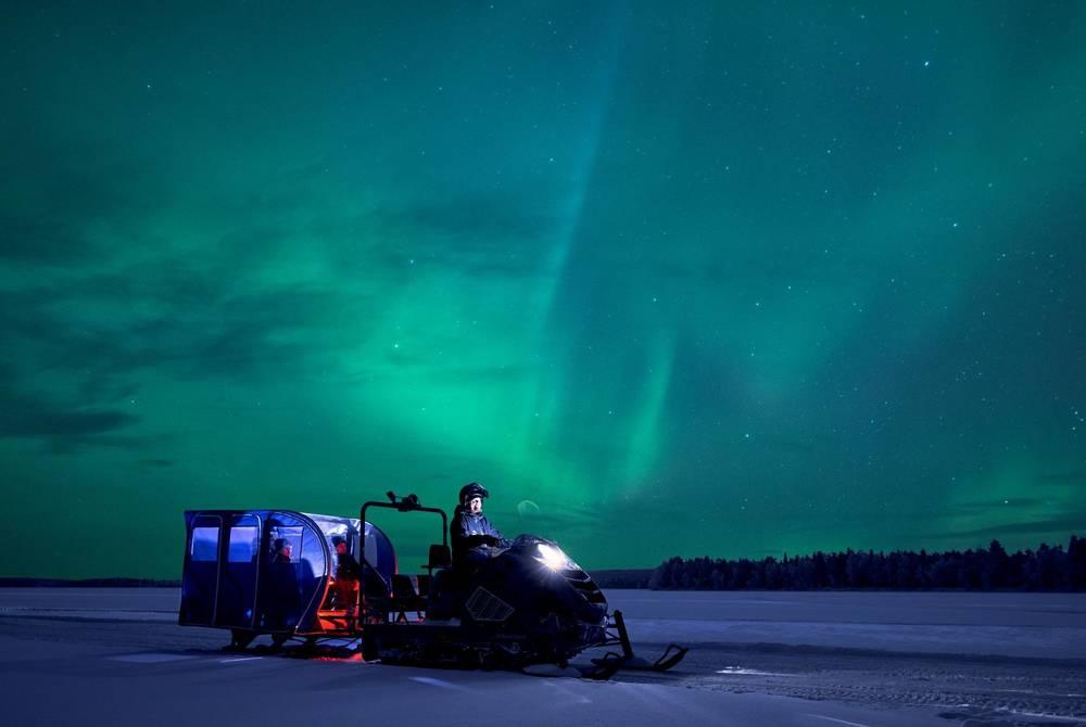 Aurora hunt on snowtrain, Apukka Resort, Finland