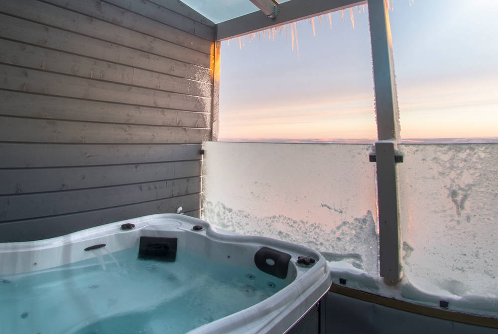 Aurora View Suite jacuzzi, Iso-Syote, Finland