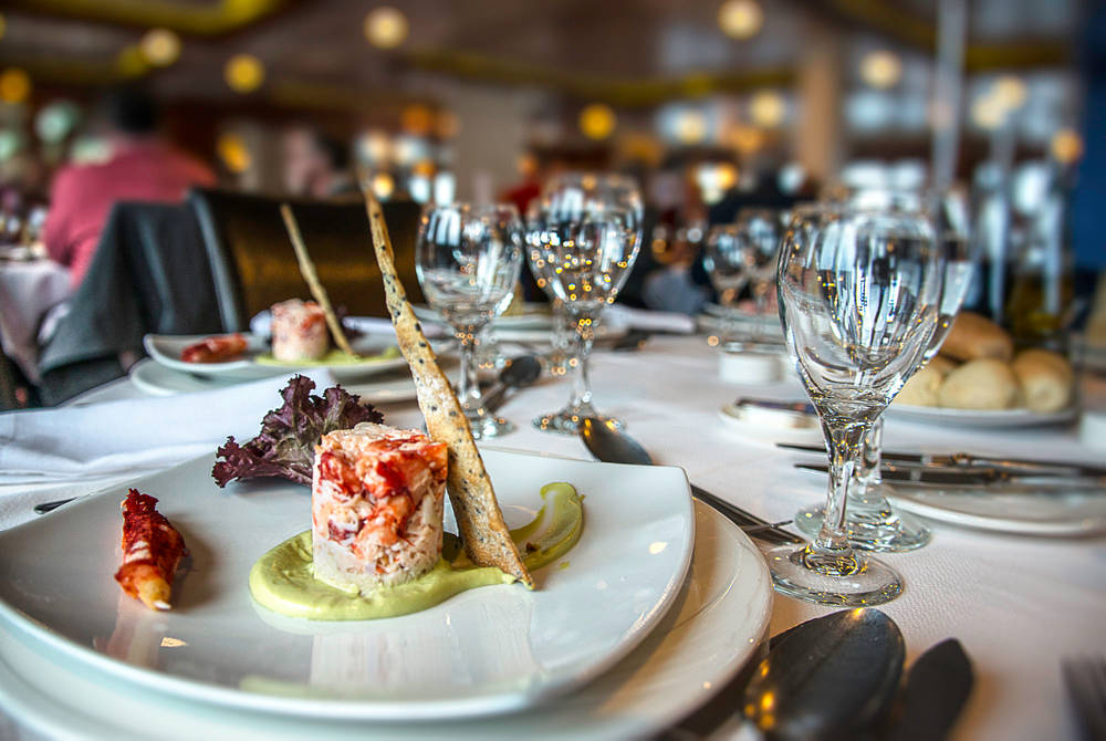 All-inclusive dining, Australis Cruises