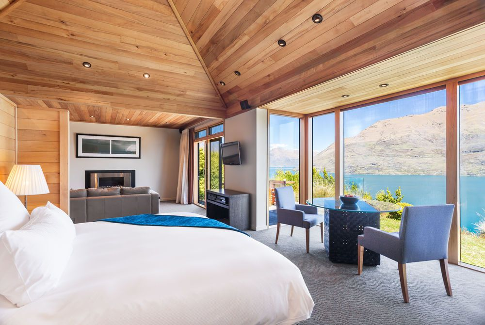 Azur Lodge open plan room, New Zealand