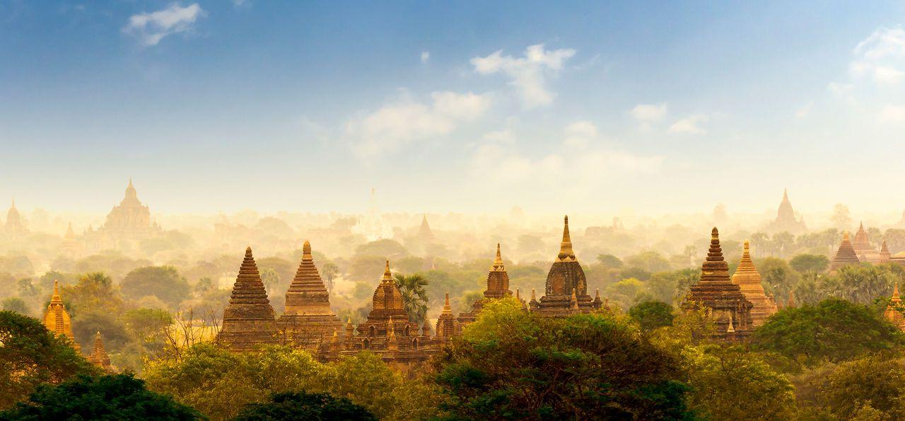 Bagan Temples, Pagan, Myanmar, Burma, Asia