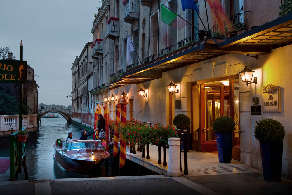 Private pier and water taxi, Baglioni Hotel Luna