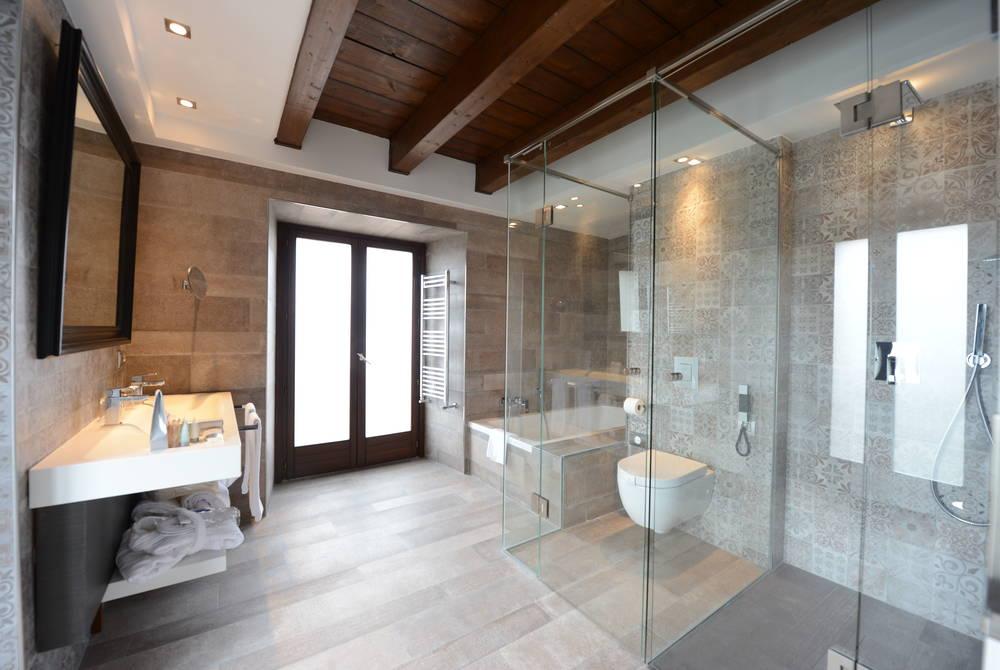 Villa bathroom, Castilla Termal Monasterio de Valbuena