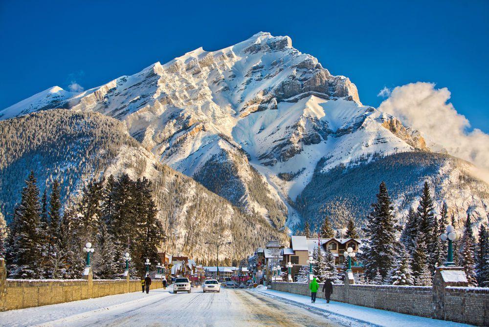 Banff Avenue - Banff Lake Louise Tourism