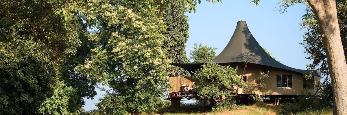 Tent Exterior, Banjaar Tola