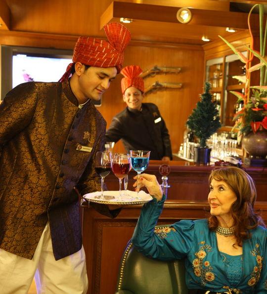 Bar, Maharajas' Express