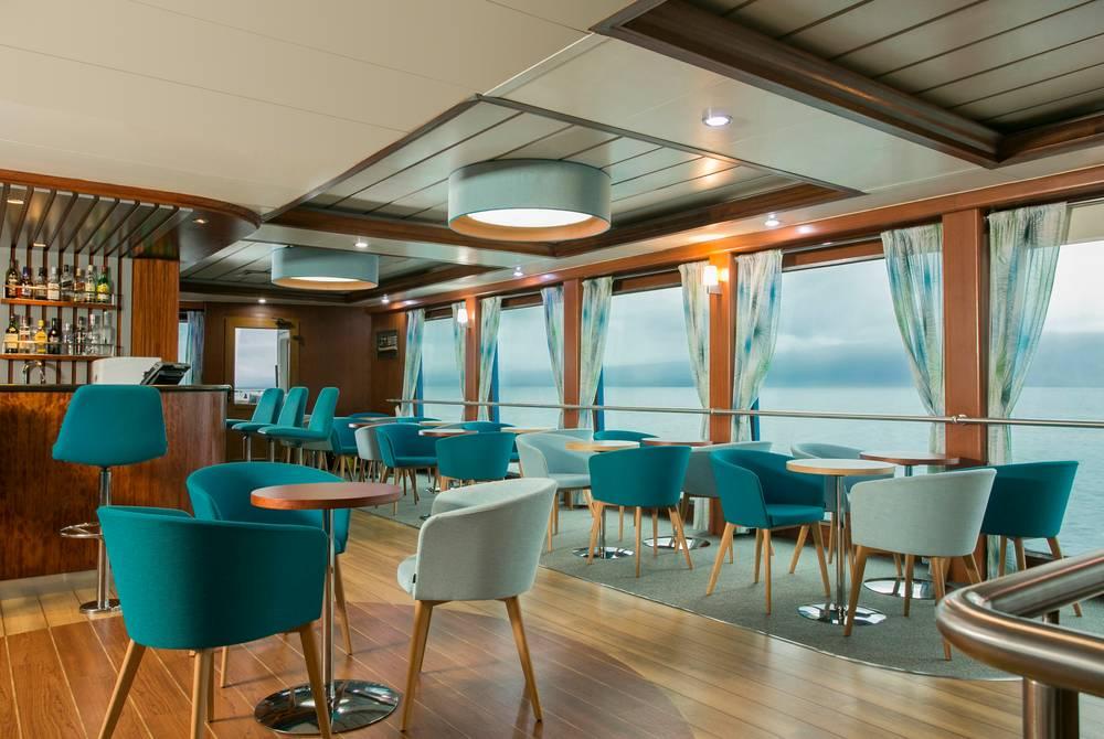 Bar/lounge, Santa Cruz II Yacht, Galapagos