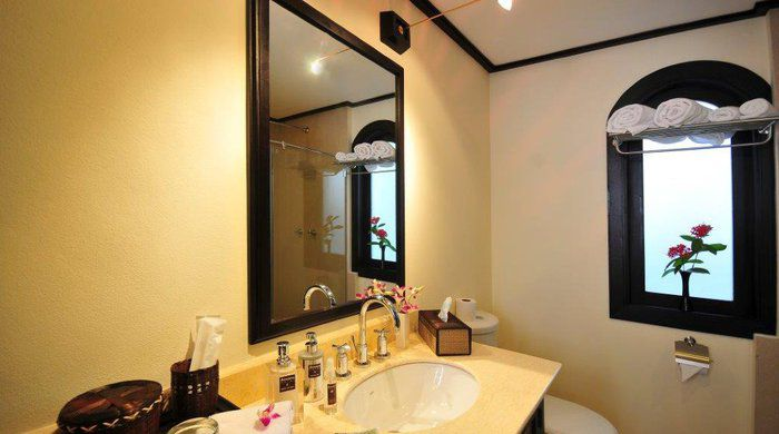 Bathroom Savvy room, Ansara Hotel, Vientiane