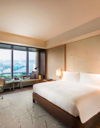 Conrad Tokyo, Bay View Room
