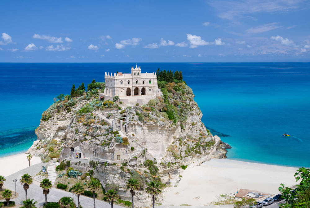 Beach and Santa Maria dell Isola church, Tropea