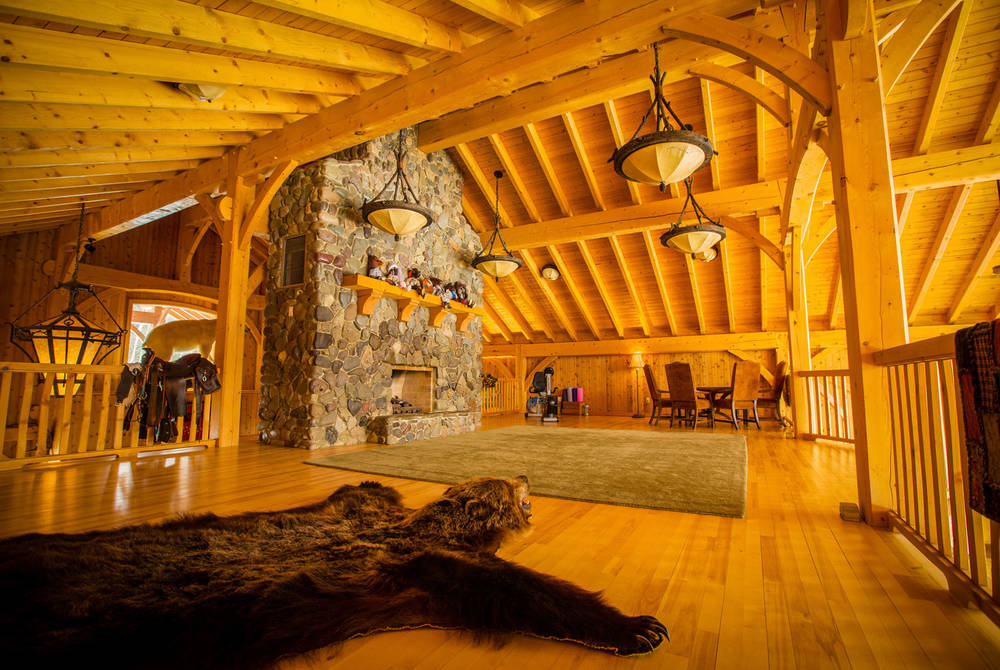 Lounge, Bear Claw Lodge