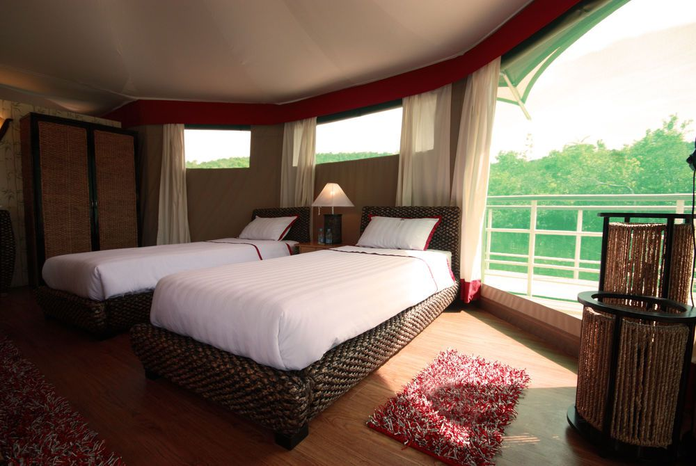 Bedroom, 4 Rivers Floating Lodge, Koh Kong, Cambodia