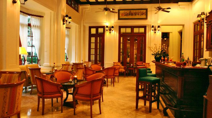 Belle Epoque Bar, Settha Palace, Vientiane