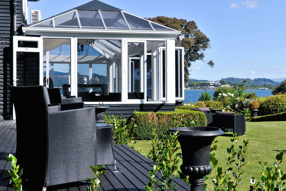 Black Swan Boutique conservatory exterior, New Zealand