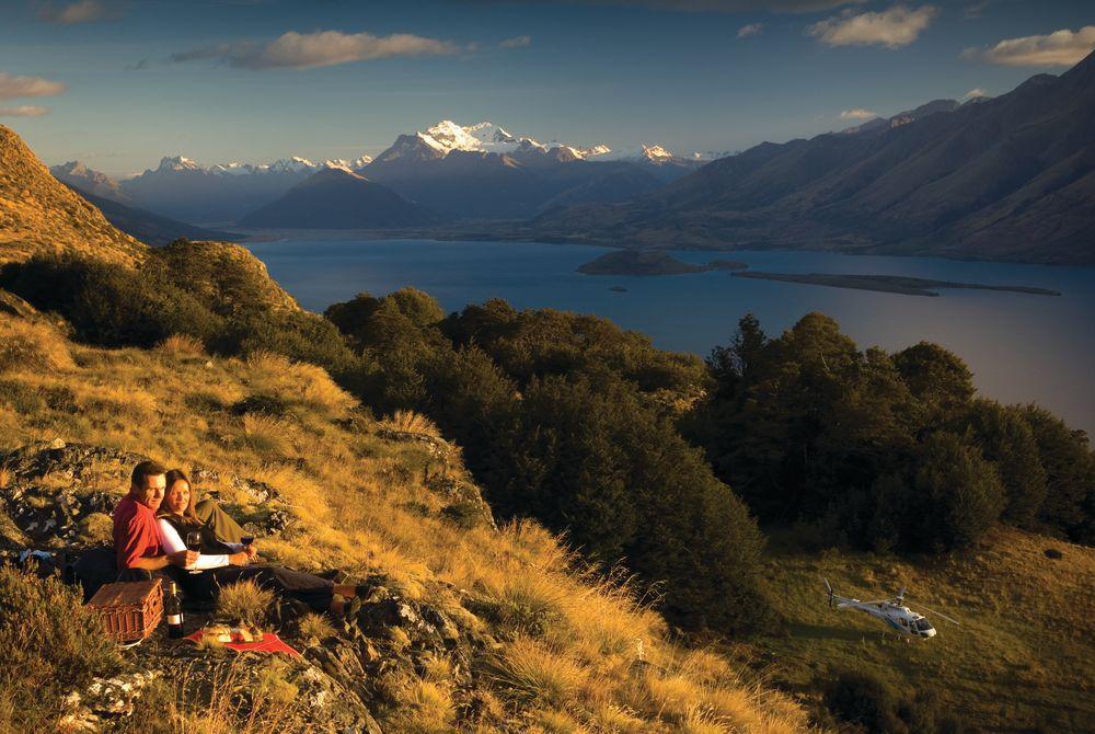 Blanket Bay heli-picnic, New Zealand