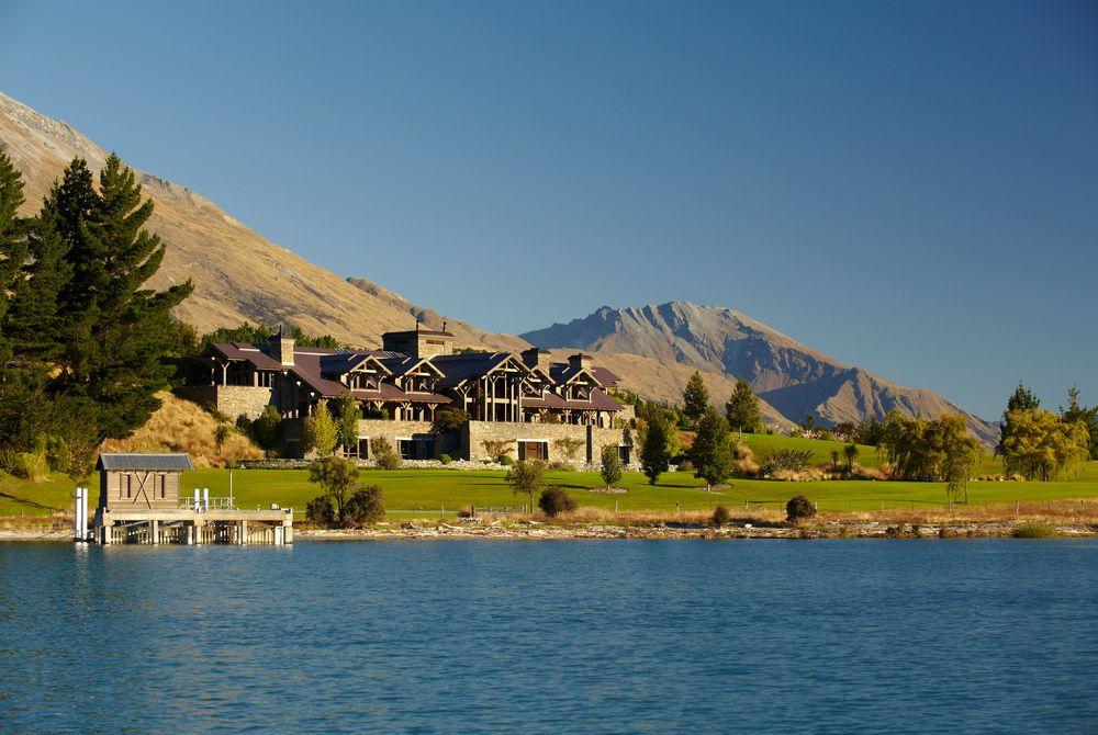 Blanket Bay lodge & dock, New Zealand