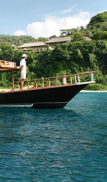 Boating on Aman XII with Amankila on the background