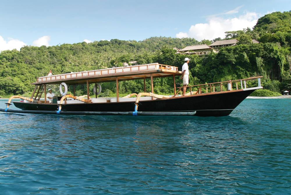 Boating on Aman XII, Amankila