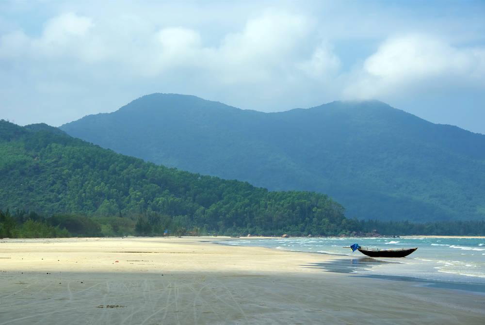 Boats on Chan May beach