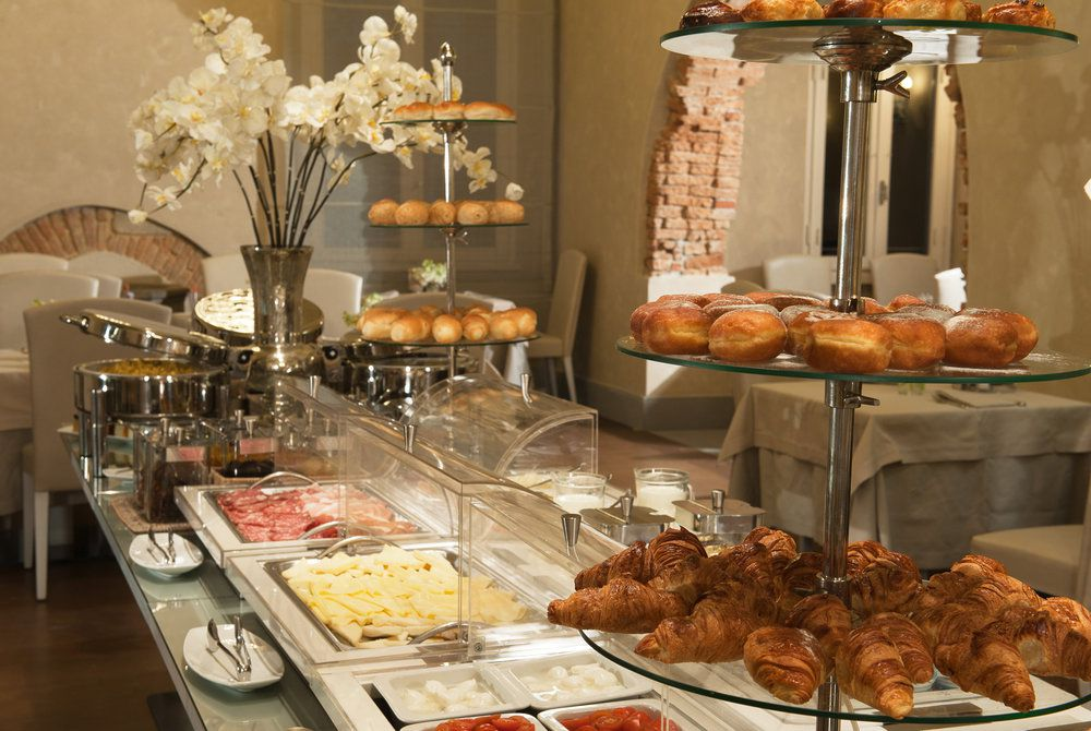 Breakfast, Hotel Brunelleschi, Florence