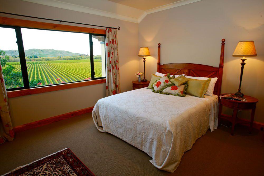 Breckenridge Lodge bedroom, New Zealand