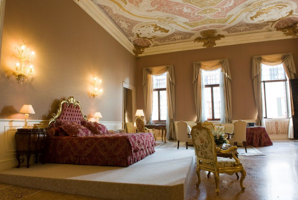 Ca'Sagredo Heritage Suite