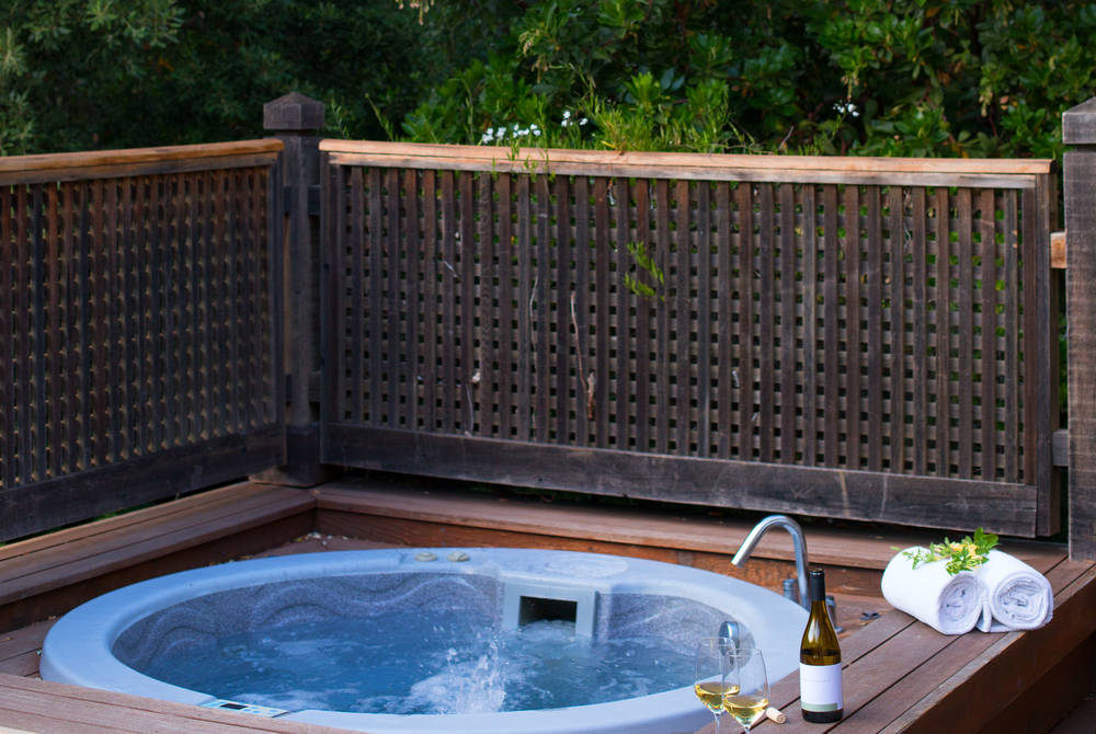 Lodge outdoor hot tub, Calistoga Ranch, Napa