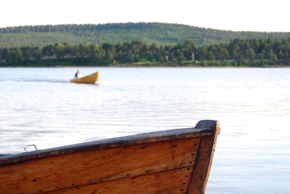 Canoeing, ICEHOTEL 365 (© Maria Sirviö)