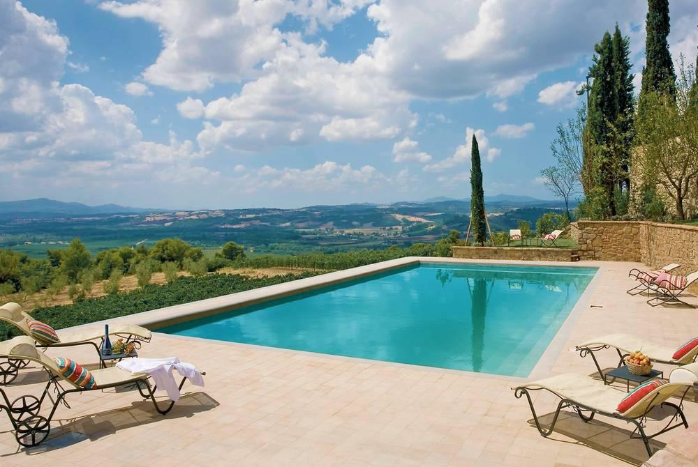 Pool, Castello Banfi il Borgo