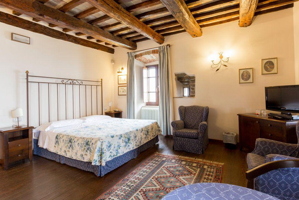 Castello Di Petrata bedroom