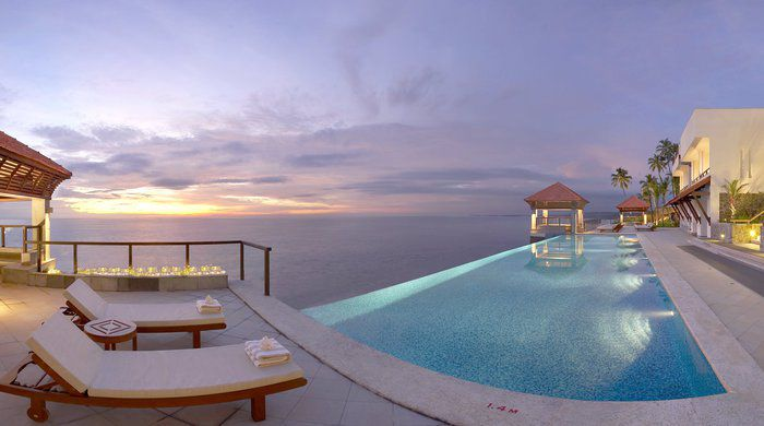 Club infinity pool, The Raviz, Kovalam