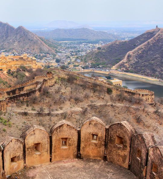 The defensive walls of the Jaigarh Fort in Jaipur