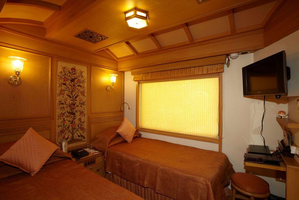 Deluxe Suite, Maharajas' Express